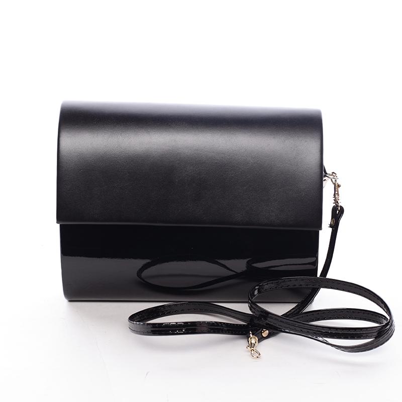 Střední dámské elegantní psaníčko černé lesklé - Delami SanDiego