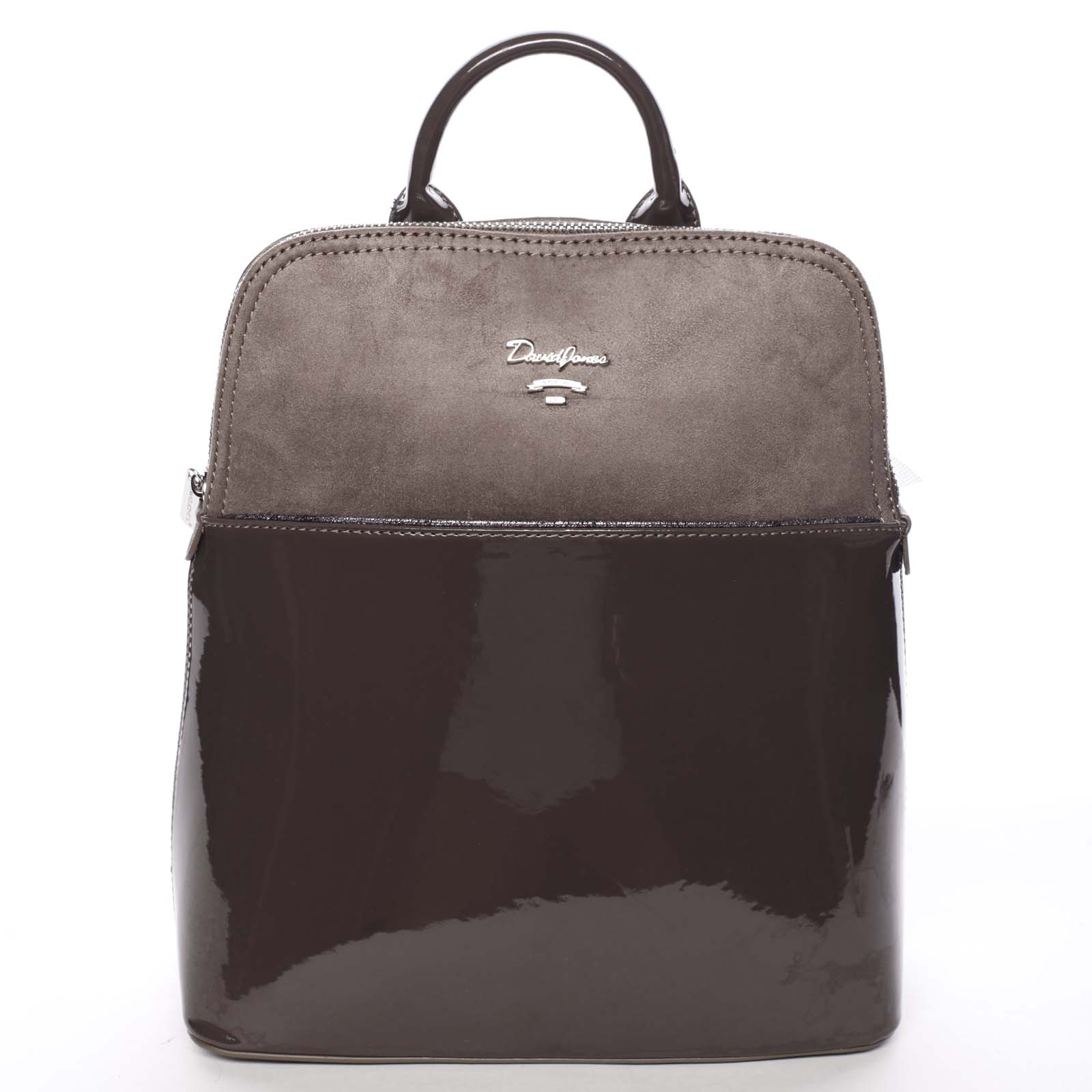 Atraktivní městský lakovaný batůžek tmavě hnědý - David Jones Diondre